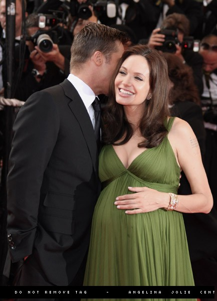 Brad and Angelina Movie Premieres  - Page 2 18210