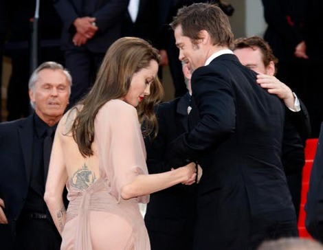 Brad and Angelina Movie Premieres  - Page 2 2410