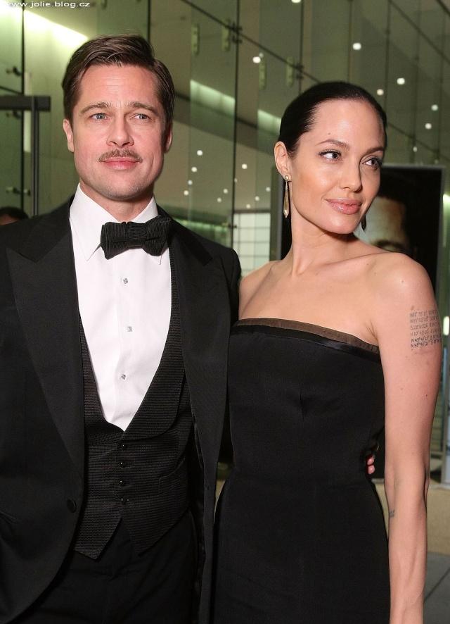 Brad and Angelina Movie Premieres  24550_10