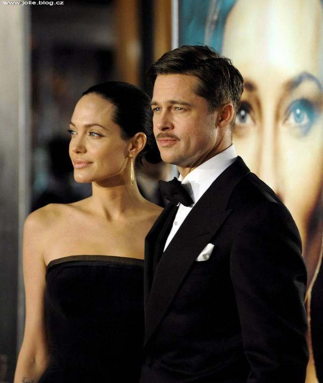 Brad and Angelina Movie Premieres  24907_10