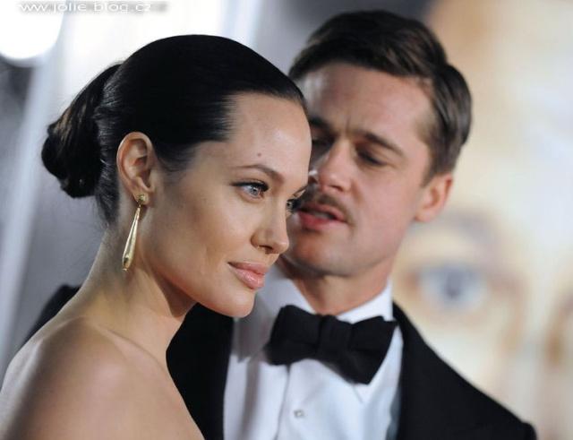Brad and Angelina Movie Premieres  24994_10