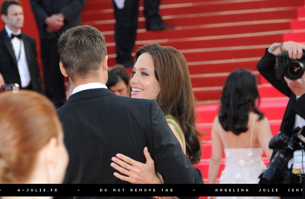 Brad and Angelina Movie Premieres  - Page 2 26810