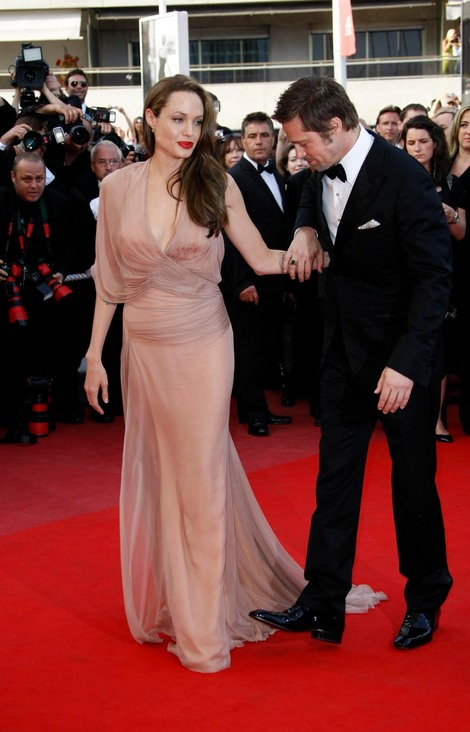 Brad and Angelina Movie Premieres  - Page 2 5310