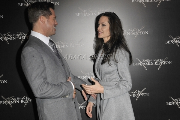 Brad and Angelina Movie Premieres  - Page 3 87932710