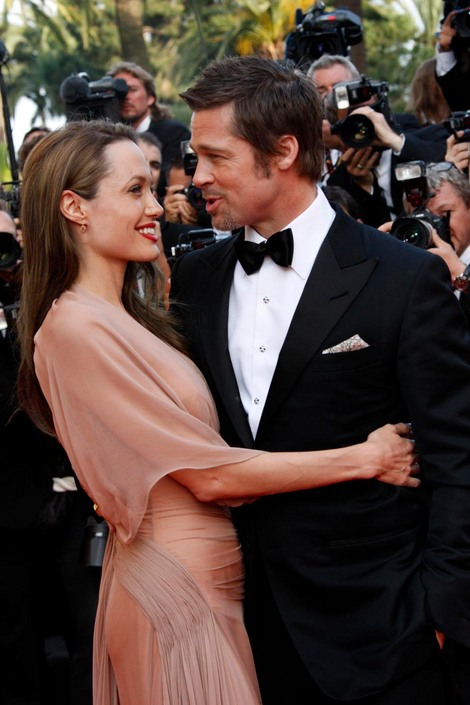 Brad and Angelina Movie Premieres  - Page 2 9210