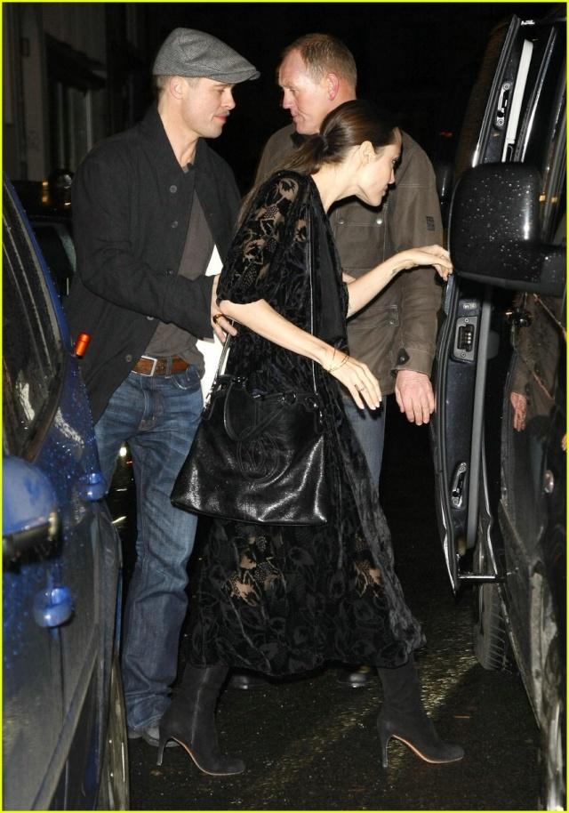 Brad and Angelina Movie Premieres  - Page 2 Brad-p11