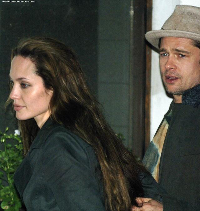 Brad and Angelina Movie Premieres  - Page 2 Prague10