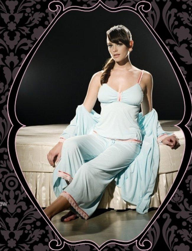 Ashley Greene en tenue ultra sexy pour Sweet Christmas Media-88