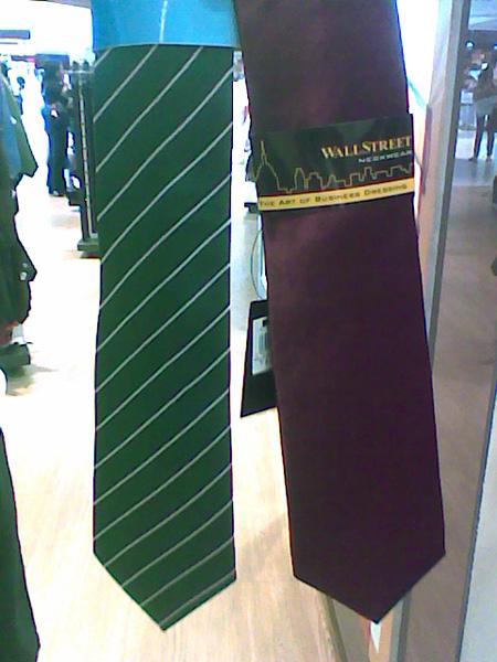 Alternative ties for Hogwarts students 2009_011