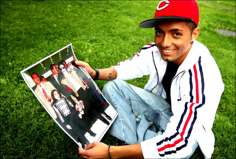 El padre de Jackson afirma que Omer Bhatti es hijo del cantante 12199810