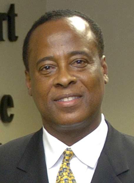 FOTOS DEL DOCTOR DE MICHAEL  UNOS DE LOS SOSPECHOSO DE LA MUERTE DE JACKSON 20090710