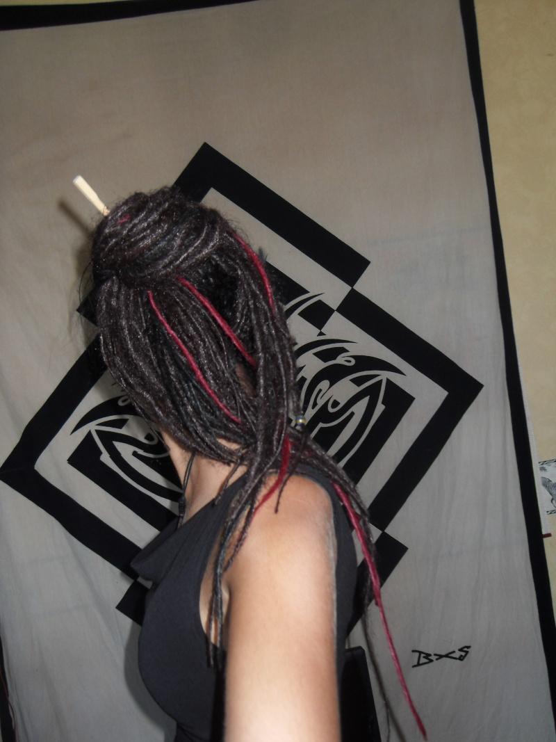 Vos cheveux/coiffures .... VOUS quoi ! Sdc10817