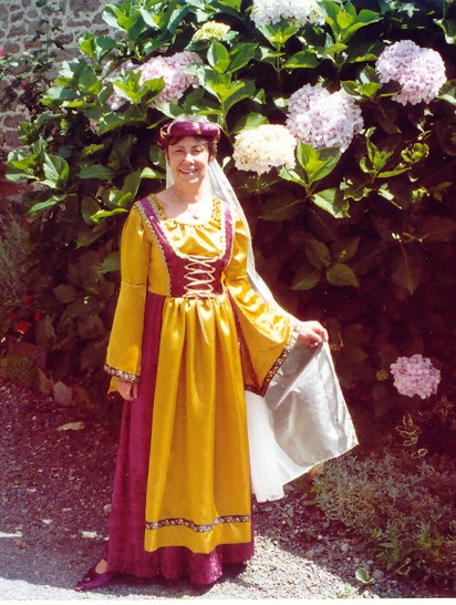 Robe médiévale Costum11