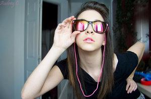 Concours Les lunettes des Stars du 02/11/2009 au 08/11/2009 Audrey10