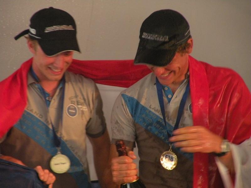 Coen de Koning & Thijs Visser (NED, Team Boskalis, 2009 F18 Cat World Champions) Dscn1010