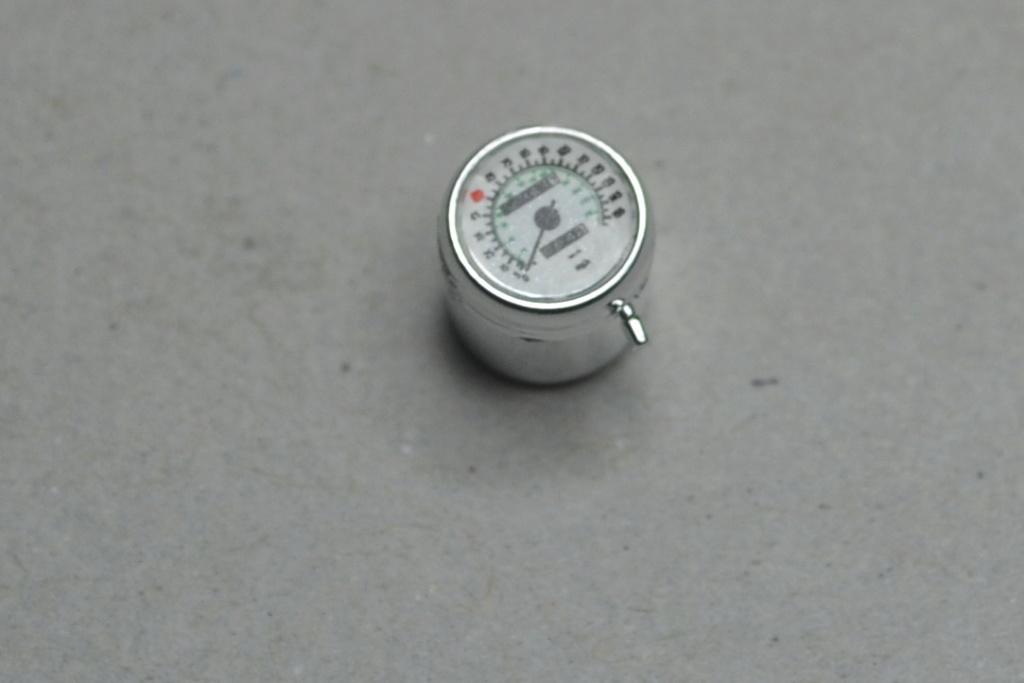 1200 V Max  de chez aoshima 1/12 02312