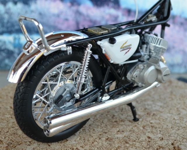 Kawasaki 500 H1 de Hasegawa Dsc_6923