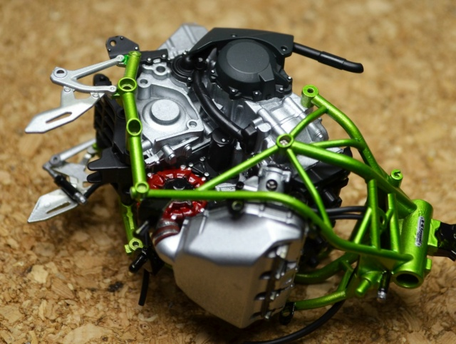 Kawasaki H2 de Tamiya Dsc_7118