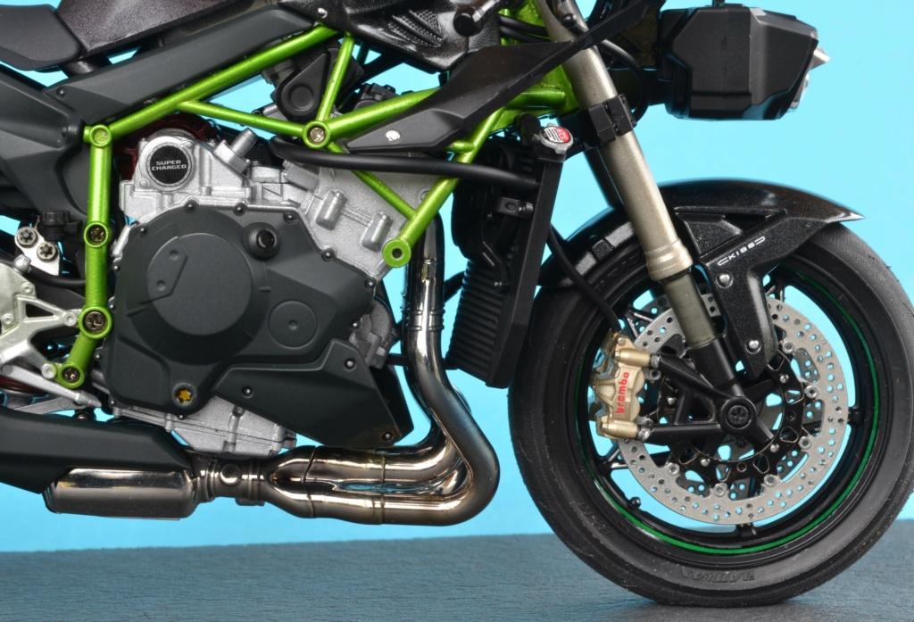 Kawasaki H2 de Tamiya Dsc_7130