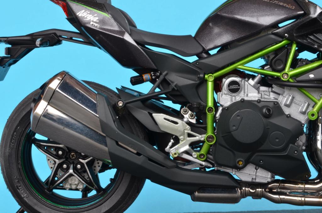 Kawasaki H2 de Tamiya Dsc_7131