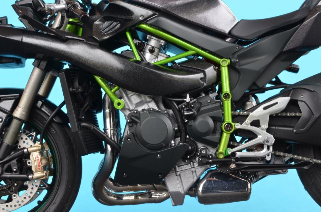Kawasaki H2 de Tamiya Dsc_7212