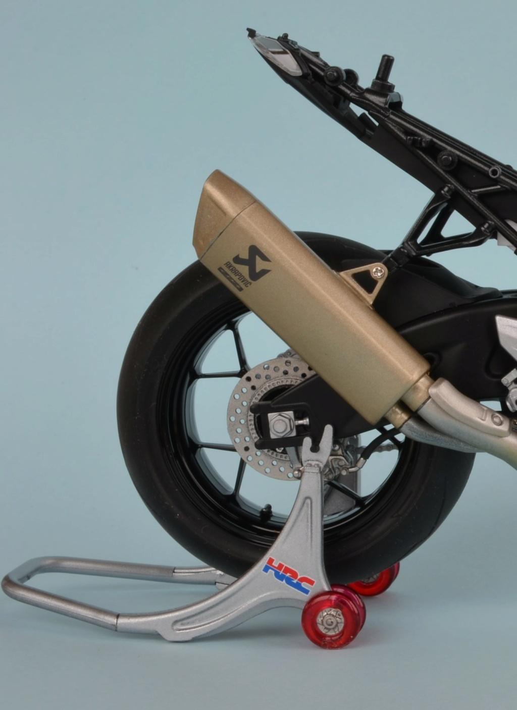 Honda CBR1000RR-R de Tamiya Dsc_7412