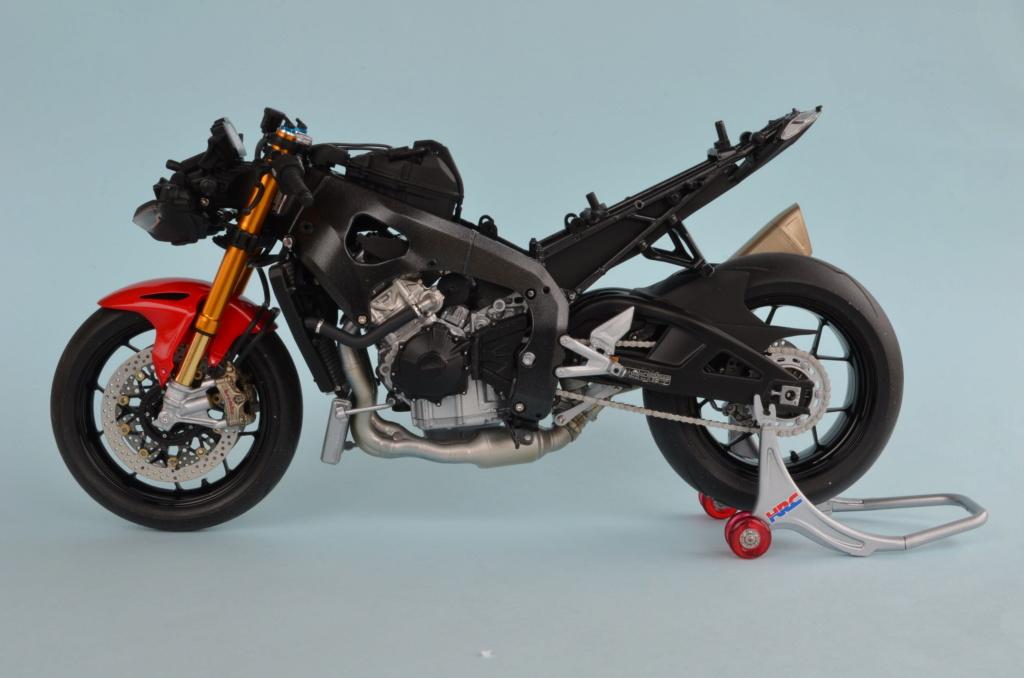 Honda CBR1000RR-R de Tamiya Dsc_7416