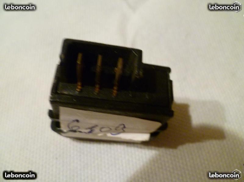 Vente de pièces détachées exclusivement de R15 R17 56877d10