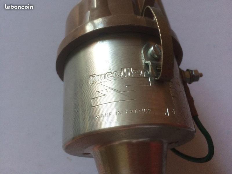 Vente de pièces détachées exclusivement de R15 R17 - Page 21 Bace7210