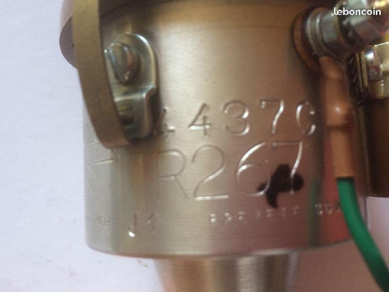 Vente de pièces détachées exclusivement de R15 R17 - Page 21 C0e2a410