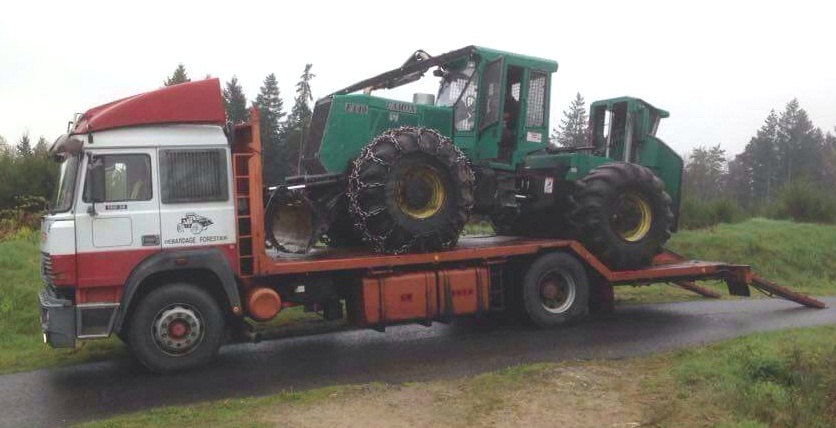 Transports de tracteurs forestier - Page 4 20180158
