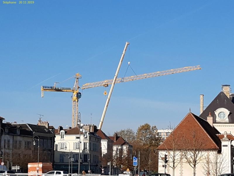 Montage d'une grue à flèche treillis à Troyes 20191124