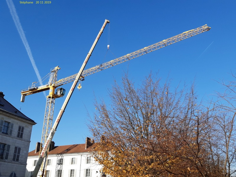 Montage d'une grue à flèche treillis à Troyes 20191127