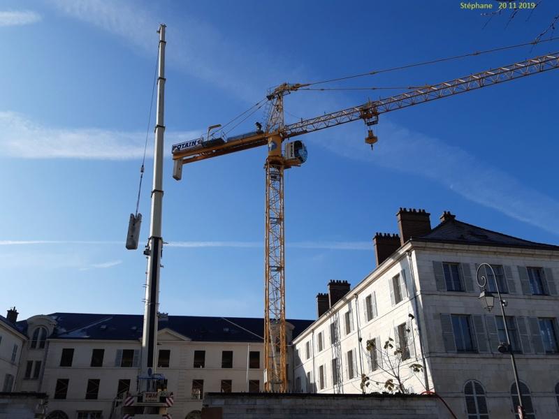 Montage d'une grue à flèche treillis à Troyes 20191145