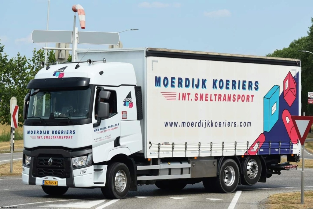 Moerdijk Koriers (Klundert) Fb_im395