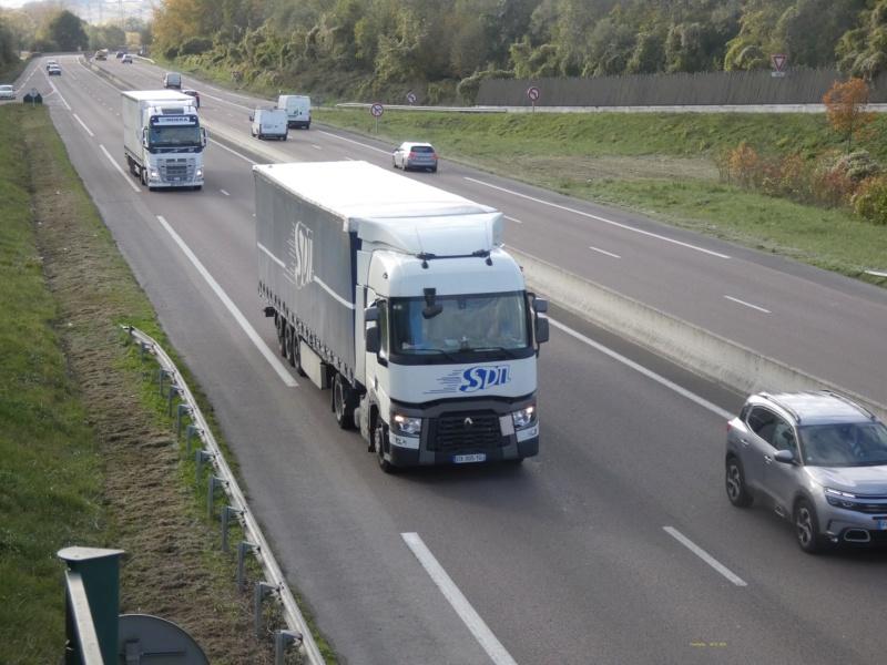 Photos avec plusieurs camions - Page 40 P1010731