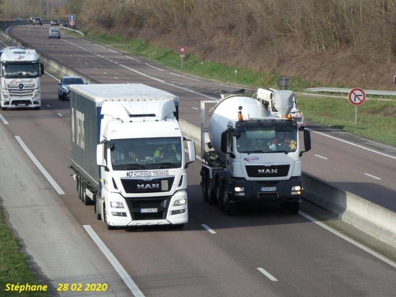 Photos avec plusieurs camions - Page 42 P1020225