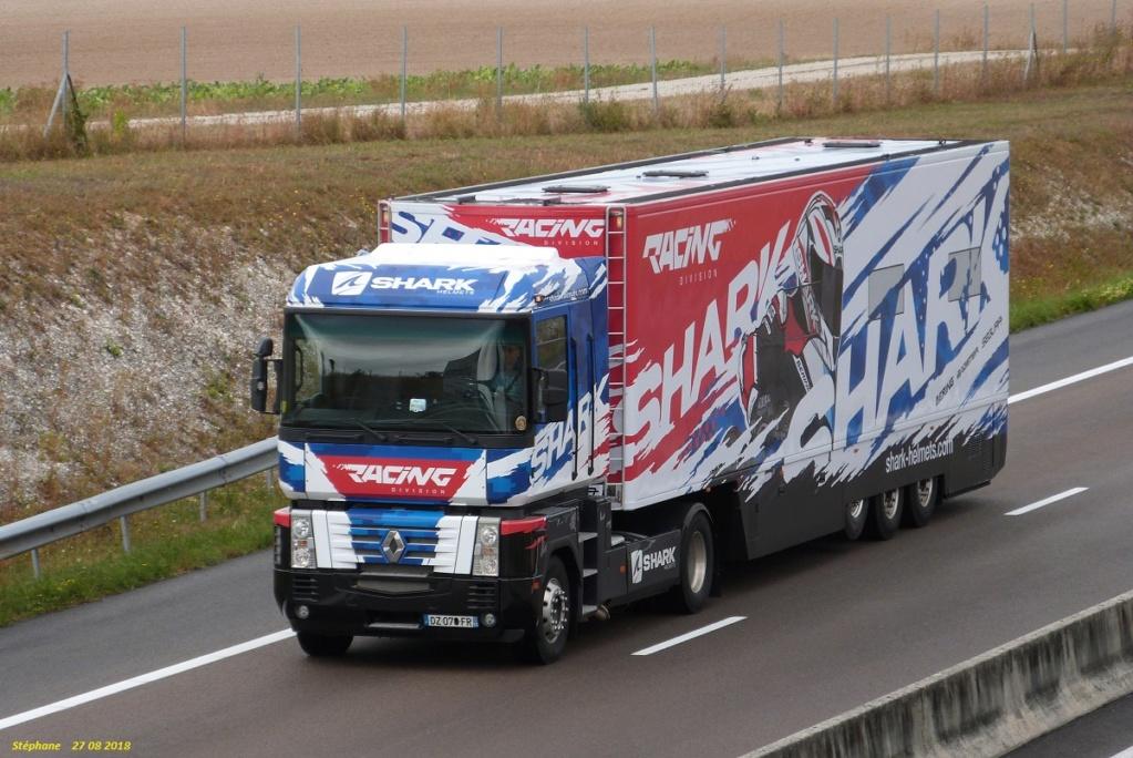 Schark Racing P1430911