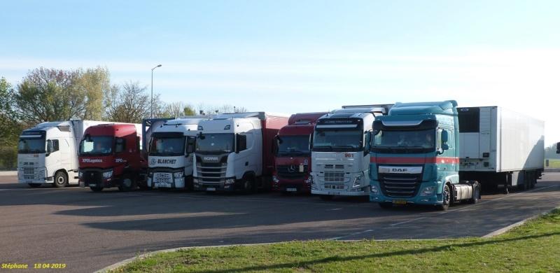 Photos avec plusieurs camions - Page 38 P1460237