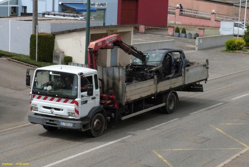 Renault  série G, M, S, JL, JK (moyens tonnages) - Page 10 P1470037
