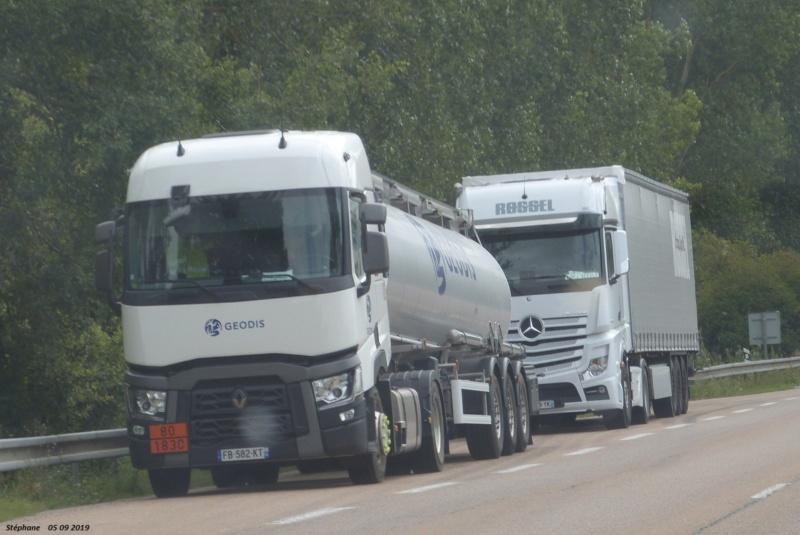 Photos avec plusieurs camions - Page 39 P1470247