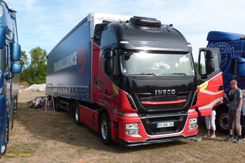 Iveco Stralis Hy Way (euro 6) - Page 2 P1470315