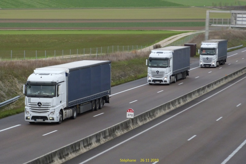 Photos avec plusieurs camions - Page 41 P1480106