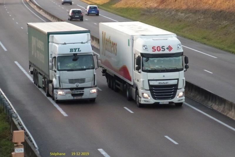 Photos avec plusieurs camions - Page 41 P1490144