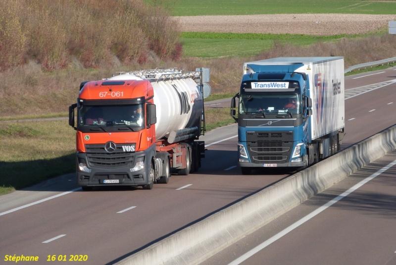 Photos avec plusieurs camions - Page 41 P1490357