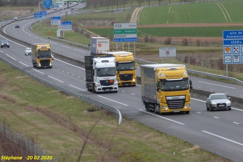 Photos avec plusieurs camions - Page 42 P1490980