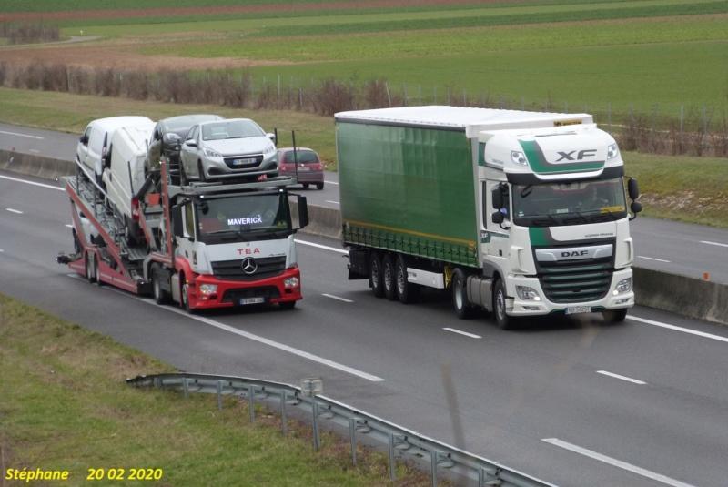Photos avec plusieurs camions - Page 42 P1500041