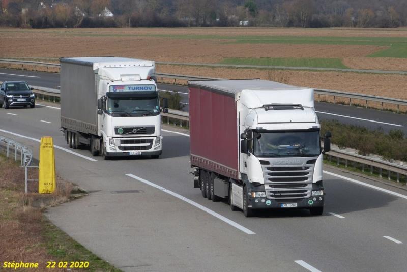 Photos avec plusieurs camions - Page 42 P1500182