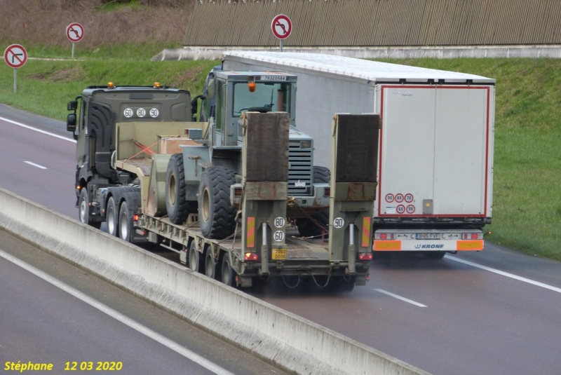 Camions de l'Armée - Page 16 P1510034