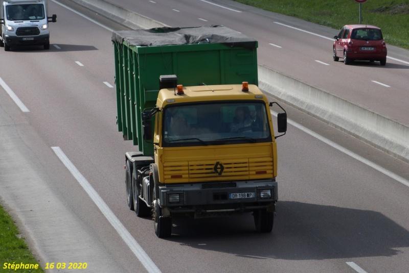 TLT (Terrassement Location Transport) (Le Pilaout  Saint Lyé) (10) P1510225